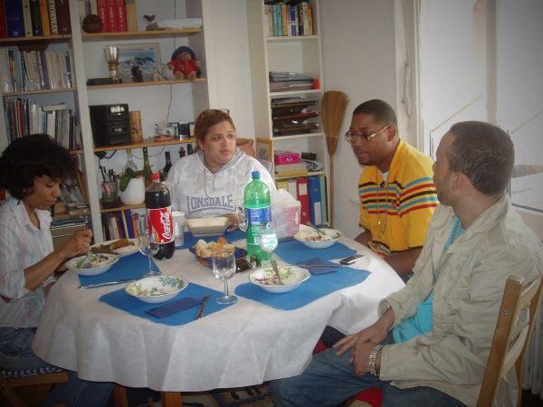 Fotolog de latimision: Amigos,fotos,mani,montes,milano